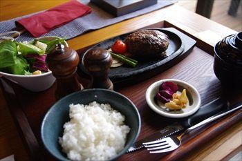 横浜にある鉄板焼きのお店「アライヤ ネスト」のランチ
