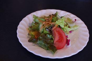 横浜山手のおいしい洋食レストラン「ロシュ」のサラダ
