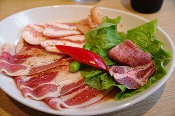 横浜にある焼肉店「横浜焼肉kintan」の焼肉