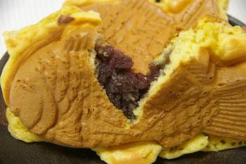 トレッサ横浜で買う鯛焼き「おめで鯛焼き本舗」の鯛焼き(あんこ)