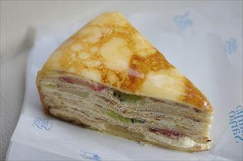 新横浜にあるイタリアンレストラン「マルデナポリ」のケーキ