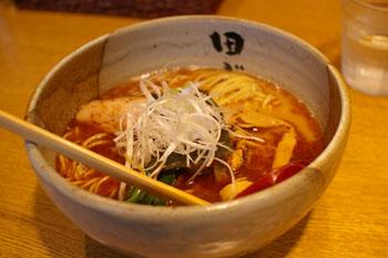 横浜反町にあるラーメン店「麺処 田ぶし 横浜店」のラーメン