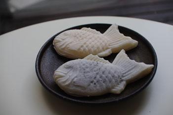 横浜大口にある白鯛焼きのお店の白い鯛焼き