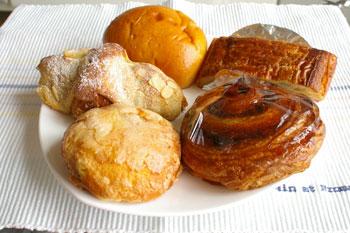 キュービックプラザ新横浜のBRASSERIE LA CLASSEのパン