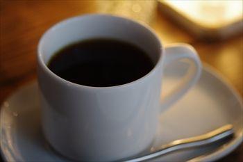 横浜浅間町にあるカフェ「夏至茶屋」のコーヒー