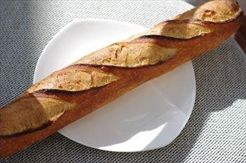 センター南にあるパン屋「パティスリー トレトゥール アダチ」のパン