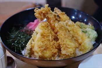トレッサ横浜にある「築地食堂 源ちゃん」の天丼