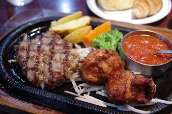 川崎にあるステーキ&ハンバーグのお店「スエヒロ館」のランチ