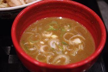 横浜にあるつけ麺専門店「つけ麺や 武双」のつけ麺