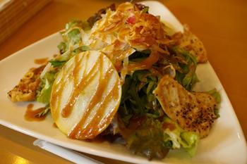 横浜元町のカフェ「kaoris(カオリズ)」のサラダランチ