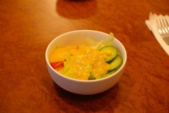 横浜元町のおいしいパスタ屋さん「J PASTA」のサラダ