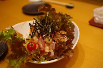 横浜そごう10階の寿司屋「豊魚」の海鮮サラダ