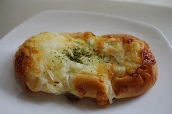 横浜仲町台にあるパン屋「パン オ ミエル」のパン