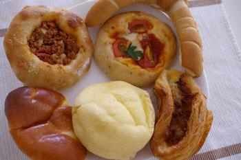 横浜市営地下鉄あざみ野駅にあるパン屋「穂の香」のパン