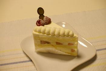 新横浜のおいしいケーキショップ「ラ ピエスモンテ」のケーキ
