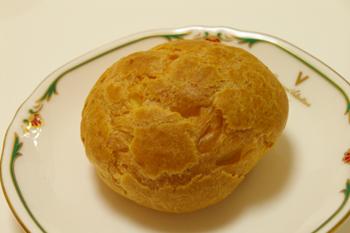 芦屋タカトラのシュークリーム