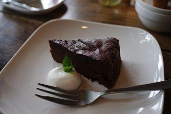 西横浜にある一軒家カフェ「夏至茶屋」のケーキ