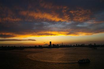 横浜みなとみらいの夕景全景