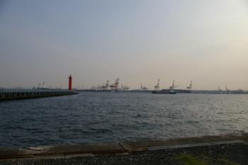 横浜港大黒海づり施設からの眺め