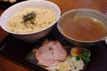 横浜北山田にあるラーメン店「老麺魂」の塩つけ麺