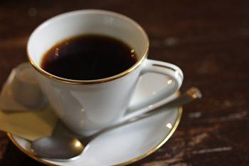 横浜馬車道のフレンチのお店「ル サロン ド レギューム」のコーヒー