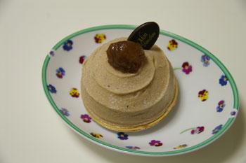 ラゾーナ川崎のケーキショップ「モンシュシュ」のモンブラン