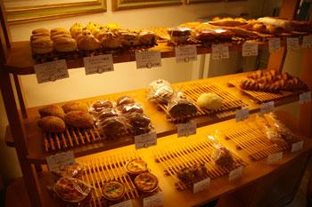 横浜ロイヤルパークホテルのケーキショップコフレの店内