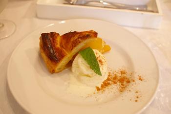 横浜開港資料館のカフェ「Au jardin de Perry」のアップルパイ
