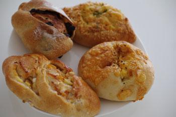 横浜大倉山にあるおいしいパン屋「アンソレイユ」のパン