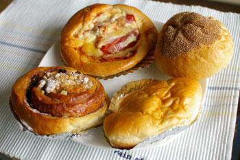 横浜元町の老舗パン屋「昭和ベーカリー」のパン