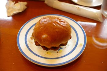 横浜金沢区のパン屋「ブレドール」のパン2