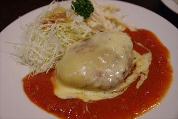 横浜日吉にある洋食屋「プクプク亭」のランチ
