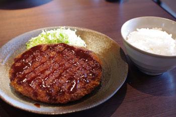 横浜仲町台にあるレストラン「アンファンス」のメンチカツ