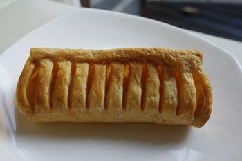 横浜白楽にあるメロンパン専門店「アルテリアベーカリー」のパン