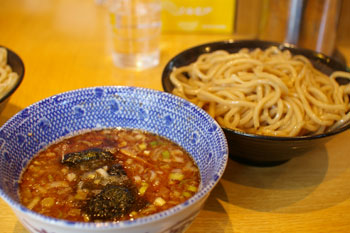 東急東横線白楽駅近くにあるつけ麺屋「仁鍛」のつけ麺