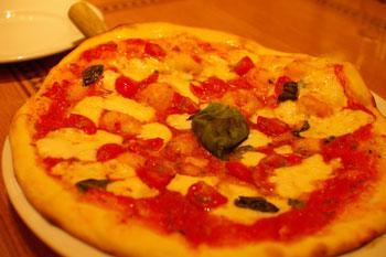 横浜ランドマークプラザ「トラットリア ペッシェドーロ」のピザ
