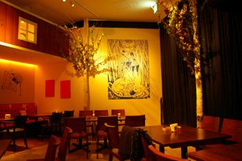 ららぽーと横浜にあるムーミンオーロラカフェの店内1