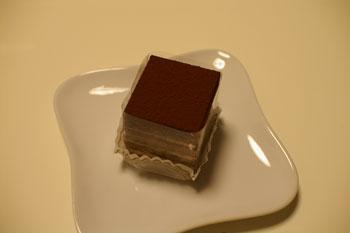 キュービックプラザ新横浜の「日影茶屋」のチョコレートケーキ
