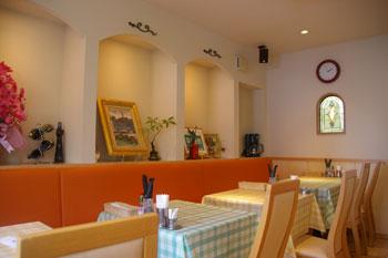 横浜生麦にある洋食屋さん「キッチンひらやま亭」の店内