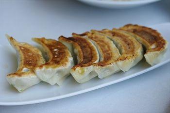 新高島にある中華料理店「中国美食 唐苑酒楼」の餃子