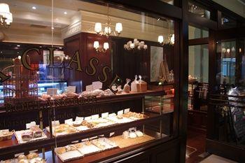 新横浜にあるパン屋「ブラッスリー ラ クラス」の外観