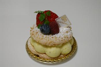 横浜ロイヤルパークホテル「コフレ」のケーキ2