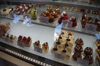 神奈川県二宮にあるケーキショップ「サンマロー」の店内