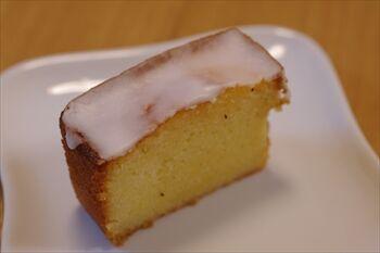 横浜白楽にある焼菓子専門店「焼菓子工務店」のケーキ