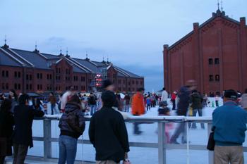 横浜のスケート場 アートリンク in 横浜赤レンガ倉庫の風景