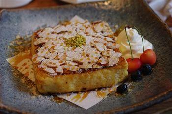 鎌倉長谷にあるカフェ「カフェルセット鎌倉」のフレンチトースト