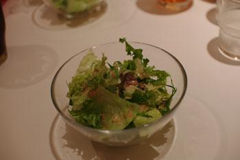 横浜元町にあるカフェ「カフェ ジャグスカッドベース」のサラダ