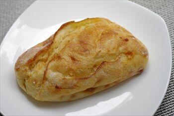 横浜日本大通りにあるパン屋「ブラフベーカリー」のパン