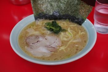 トレッサ横浜近くにある横浜家系ラーメン店「心家」の