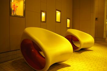 横浜ベイクォーターのデザイナーズチェア